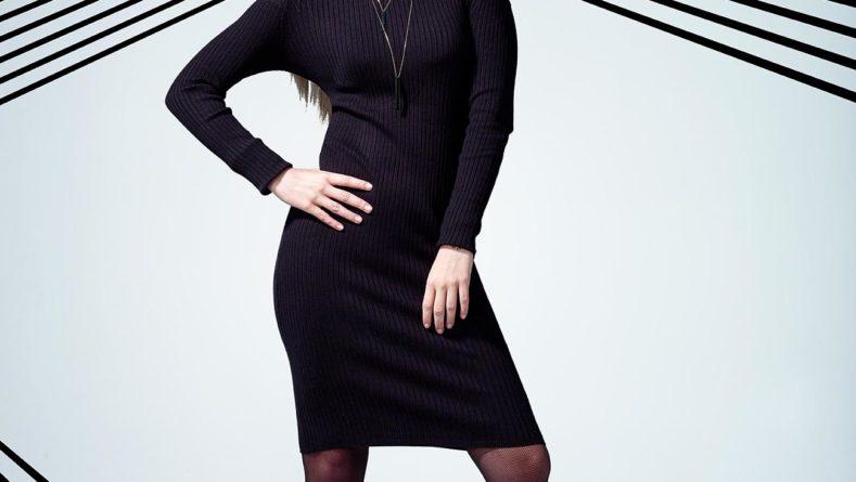 Ciepło, wygodnie i kobieco – swetrowe sukienki cały czas w modzie!